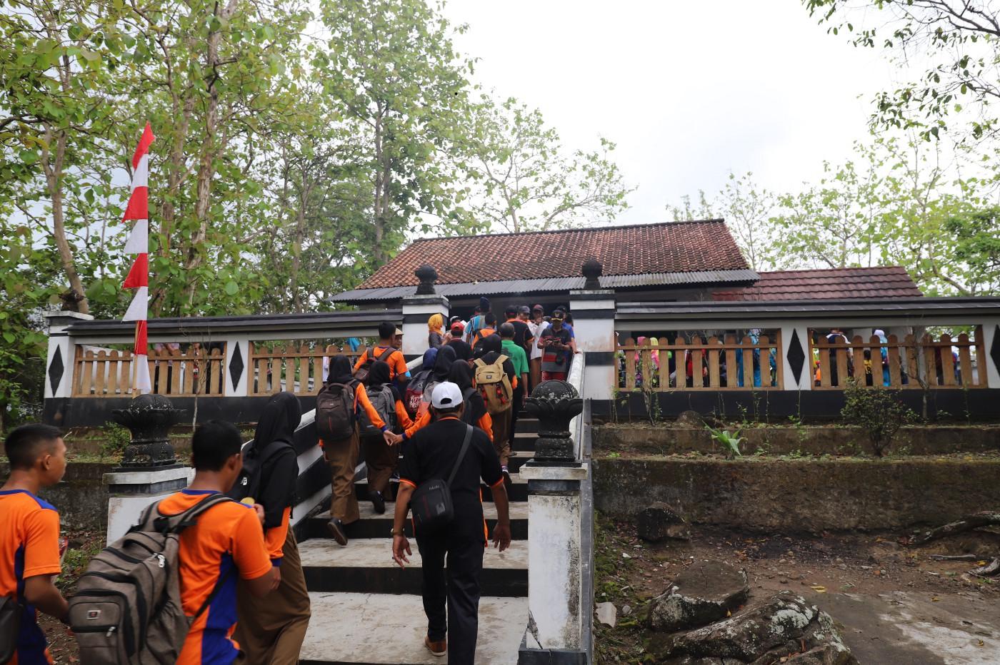 Bupati Dorong Pengembangan Wisata Budaya Desa Kaliwatubumi
