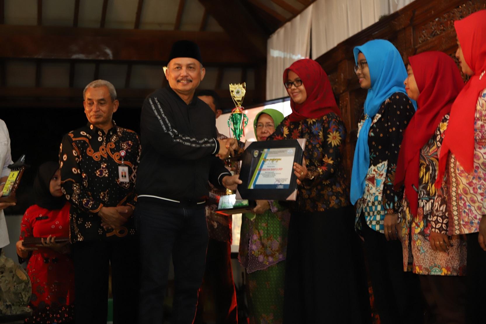 Berbagai Penghargaan Diserahkan Dalam Puncak Peringatan Harganas Kabupaten Purworejo
