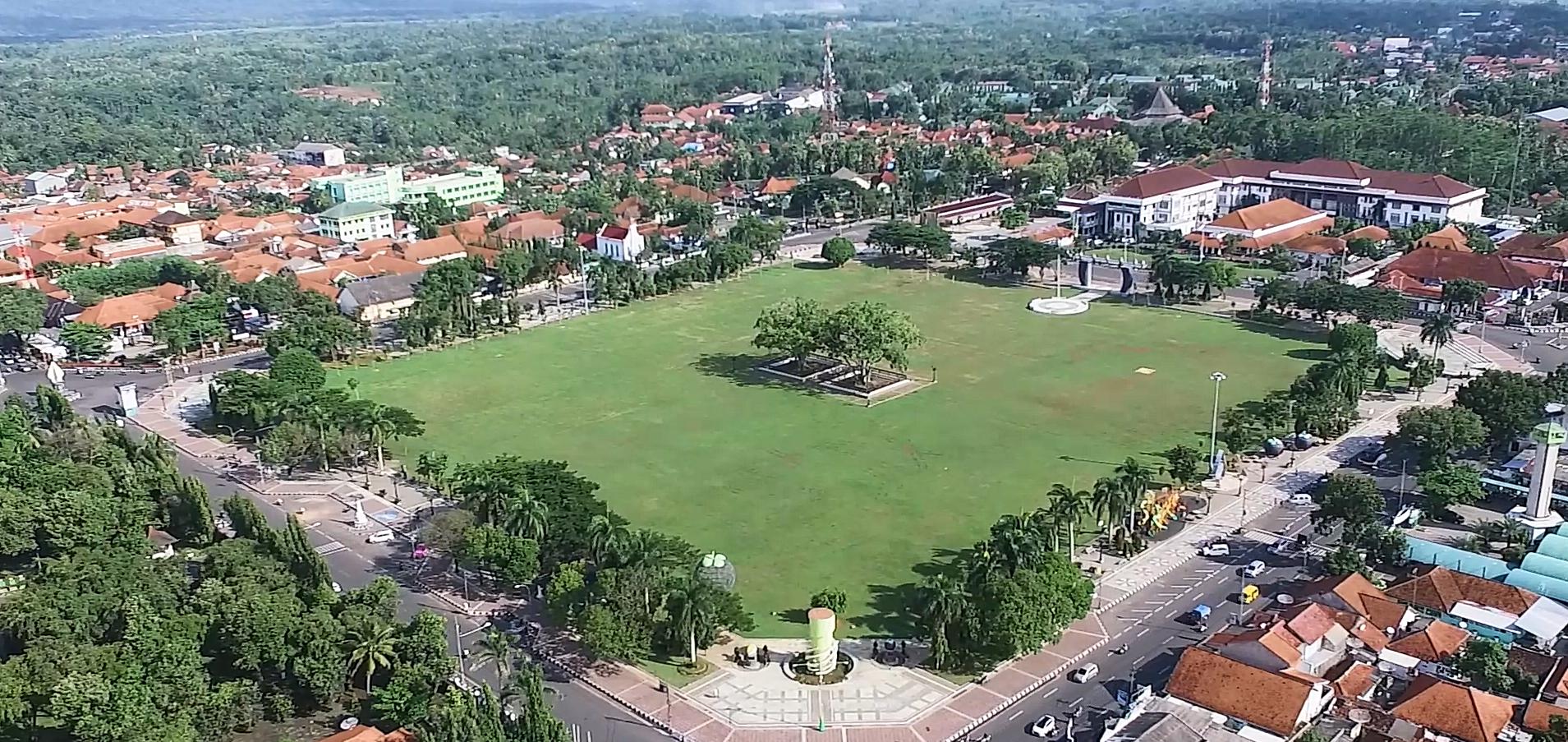 Alun-alun Purworejo Jadi Tempat Favorit untuk Rekreasi