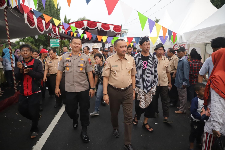 Ratusan Warga Antusias Hadiri Grebeg Durian dan Festival 2020 Purworejo