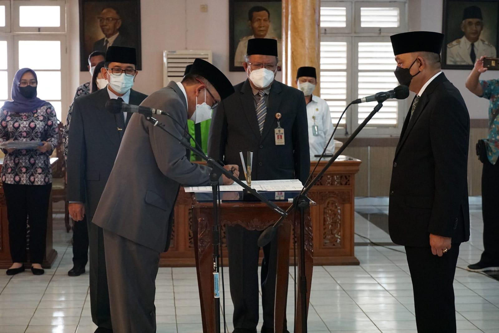 Bupati Purworejo Rotasi 10 Jabatan Pimpinan Tinggi Pratama
